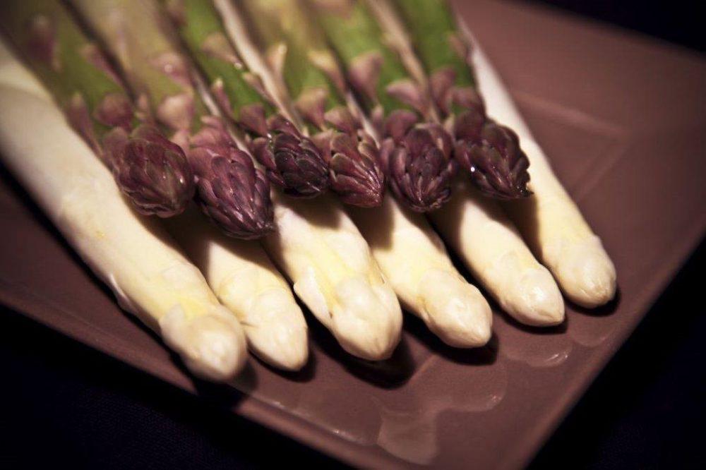 photo pointe asperge blanche verte